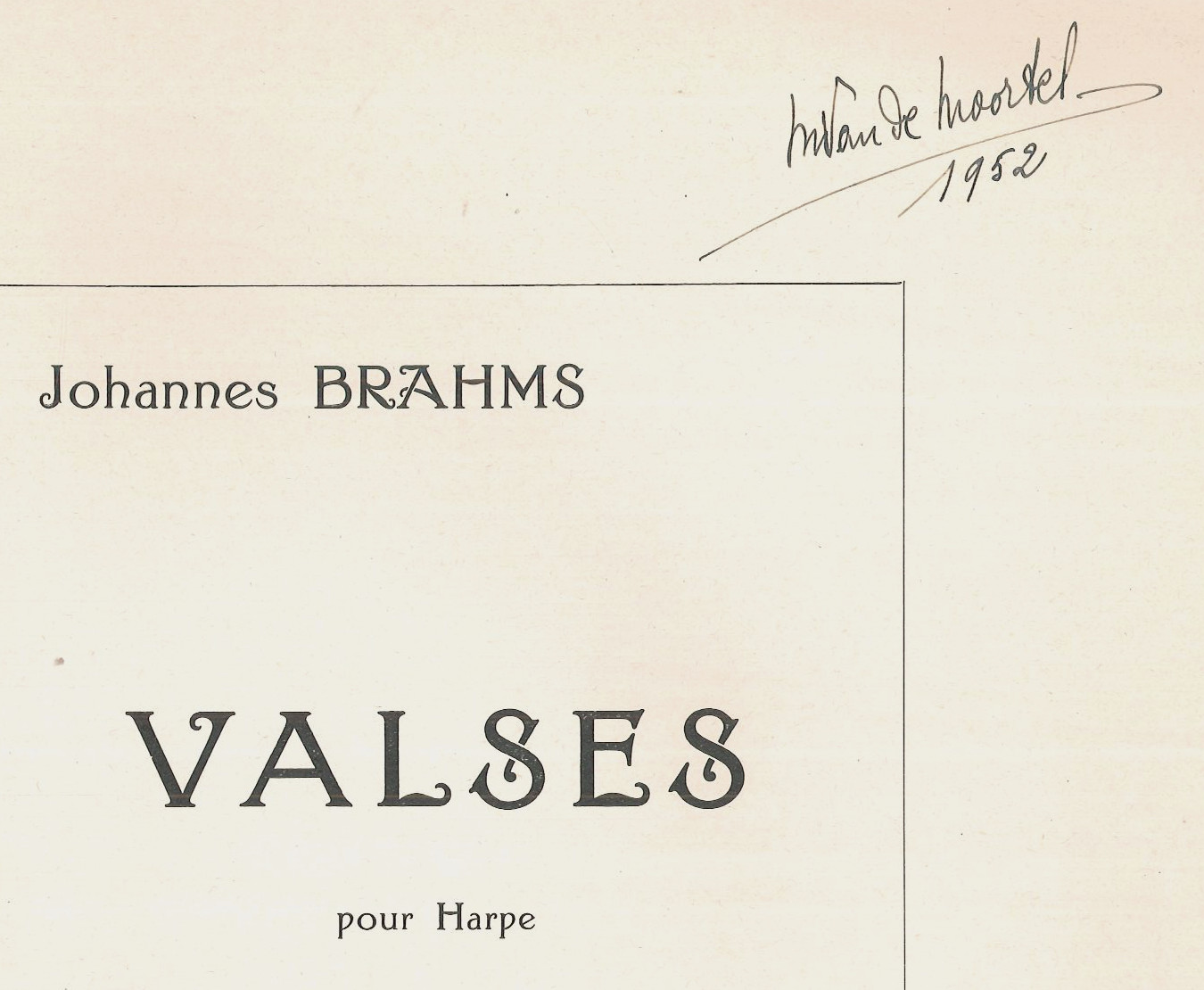 Waltzes by Brahms, transcribed for harp by Lautemann, from the collection Van de Moortel. E03151.
